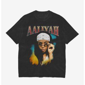 Aaliyah Side Eye Girls Essential Unisex T Shirt