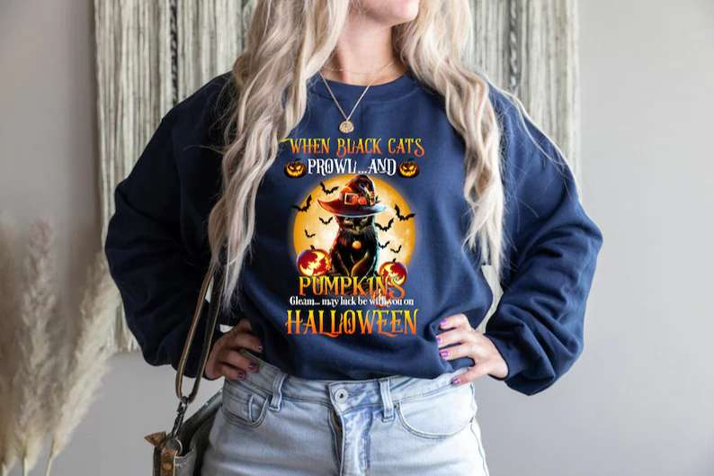 Black Cat With Spooky Moon Halloween Unisex T Shirt